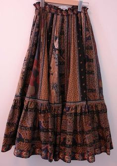 Vintage Suttles & Seawinds patchwork quilted boho chic skirt - yum!