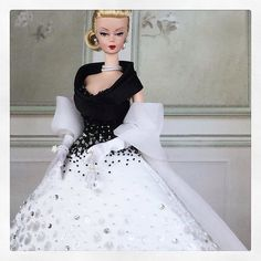 """Second in our """"The Great Divas"""" series, here is one of the most elegant and classy actress of all.inspired to Grace Kelly and her iconic outfit in """"Rear Window"""", we reinterpretate the look in a wide ball gown Barbie I, Barbie World, Barbie Dress, Barbie Style, Fashion Dolls, Girl Fashion, Vintage Barbie Clothes, Ballroom Dress, Barbie Friends"""