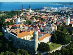 In Europe Tallinn is the capital of Estonia. It lies on the Gulf of Finland, the Baltic Sea, about 80 kilometers south of Helsinki. Helsinki, The Places Youll Go, Places To Visit, Places To Travel, Travel Destinations, Travel Tours, Time Travel, Bósnia E Herzegovina, Baltic Cruise