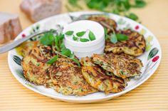 Kasvisröstit. Käytä kesän upeaa kasvissatoa hyödyksesi ja paista ihanat röstit grillatun lihan, broilerin tai kalan seuraksi.