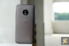 Moto G5 Plus review: The difference is in the software  Motos G5 Plus came to me with a whole bunch of hype surrounding it. Reviews raved about how brilliant it was and how it was all the Android smartphone you needed.  Needless to say the bargain-hunter in me was looking forward to testing out this supposedly amazing budget smartphone.  Were no strangers to good value smartphones. Xiaomi has pretty much led the way in the sub RM1200 category with their effective Redmi smartphones. The Redmi…