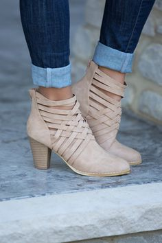 The Willow Booties Beige