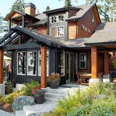Architecture Seattle Home dark gray house exterior Design Ideas, Pictures, Remodel and Decor Rustic Exterior, Design Exterior, Modern Exterior, Craftsman Exterior, Black Exterior, Rustic Home Exteriors, Exterior Paint Colors For House, Paint Colors For Home, Exterior Colors
