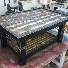 Great DIY coffee table on Ryobi Nation. Lots of rustic appeal to this piece.