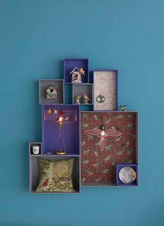 Decorative box with wallpaper in the back / Boites decoratives avec papier peint derriere