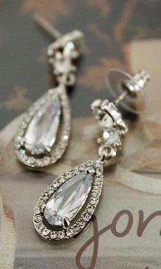 Cute Jewelry, Wedding Jewelry, Beaded Jewelry, Jewelry Box, Jewelery, Jewelry Accessories, Parisian Wedding, Ring Watch, Diamond Are A Girls Best Friend