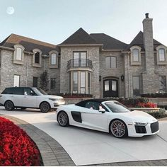 [New] The 10 Best Travel (with Pictures) - Would you rather have the cars or the villa? Tag your friends! Home Luxury, Luxury Living, Luxury Lifestyle, Luxury Cars, Luxury Homes, Palaces, Villas, Millionaire Homes, Millionaire Lifestyle