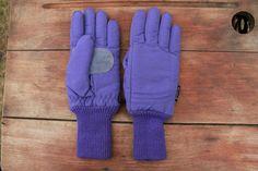 Vintage 1980s Ski winter purple glove / Teen size by Liyasvintage, $16.00