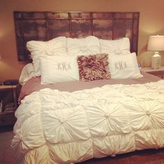 love the headboard and comforter set