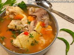 Ciorba de potroace - imagine 1 mare European Dishes, Thai Red Curry, Food And Drink, Soup, Cooking, Ethnic Recipes, Romania, Dan, Dinners