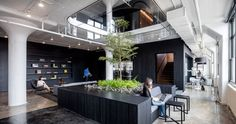 Have a look at the design of the new Squarespace office in New York