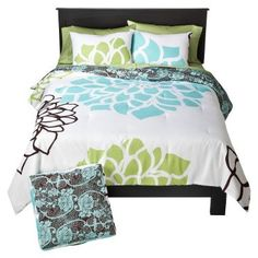 #bedding this matches my bedroom!!!!!  Love the little bit of green!!!!
