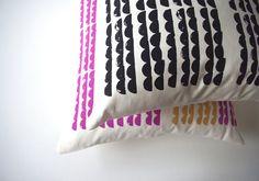 Organic Cotton/Hemp 'Mountains' Cushion Cover por spinspin en Etsy