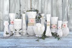 Luv My Stuff is about shabby chic furniture and home decor. It is operated by Bea Hare and includes shabby chic furniture creations made by hand, Vanity Shabby Chic, Shabby Chic Vintage, Style Shabby Chic, Shabby Chic Living Room, Shabby Chic Bedrooms, Shabby Chic Homes, Shabby Chic Furniture, Black Furniture, Vintage Decor