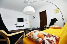 Camellia's Apartment Sibiu Set in Sibiu, this apartment is 1 km from Great Square. The apartment is 1.2 km from Little Square. Free WiFi is offered .  The unit fitted with a kitchen with an oven and microwave. Towels and bed linen are available in this apartment.