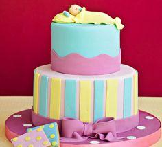 Dikkat uyuyan melek var pastası