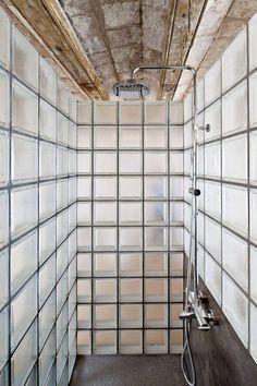 Glass block shower Bathroom By Alex Gasca + Hélène Silvy-Leligois Bathroom Interior, Home Interior, Interior Architecture, Modern Bathroom, Warm Bathroom, Brick Interior, Eclectic Bathroom, Scandinavian Bathroom, Interior Plants