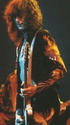 I Robert, Robert Plant, Jimmy Page Young, Led Zeppelin Lyrics, The Yardbirds, Dimebag Darrell, John Bonham, John Paul Jones, Best Guitarist