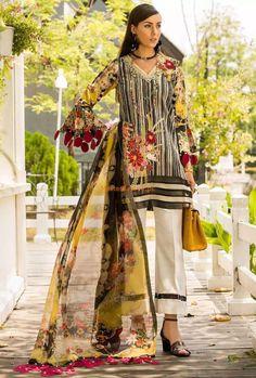 Saadia Asad Digital Printed Lawn Collection 2020 - LogicalBaat a home for News & Entertainment New Pakistani Dresses, Pakistani Dress Design, Asian Eye Makeup, Pakistani Designers, Designer Collection, Fashion Brand, Designer Dresses, Digital Prints, Chiffon