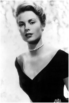 Grace Kelly is the epitome of classic style and grace. Upon becoming the Princess of Monaco, she was the poster for elegance with admirers located globally.     Princess Grace was born, Grace Patricia Kelly on November 12th 1929. At the age of 20 Grace headed into the acting world appearing in
