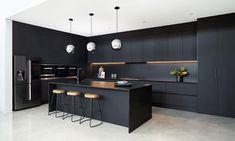 Black Kitchen Decor, Black Kitchen Island, Kitchen Room Design, Luxury Kitchen Design, Contemporary Kitchen Design, Kitchen Layout, Home Decor Kitchen, Interior Design Kitchen, Kitchen Islands