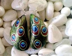 Step by step directions to make these gorgeous earrings out of mussel shells.  This person is really talented!