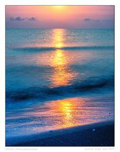 VIDA Leather Statement Clutch - Deep Water Sunrise by VIDA Xnk39m