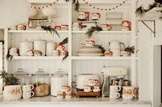 Farmhouse Christmas Decor, Cozy Christmas, All Things Christmas, Vintage Christmas, Christmas Bedding, Christmas Living Rooms, Santa Mugs, Shabby, Winter Home Decor