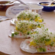 With these jicama taquitos stuffed with salmon you will not be to blame. Healthy Recipe Videos, Healthy Recipes, Easy Recipes, Veggie Recipes, Appetizer Recipes, Surimi Recipes, Healthy Meal Prep, Light Recipes, Pizza