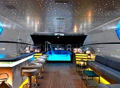 I'm on a yacht!