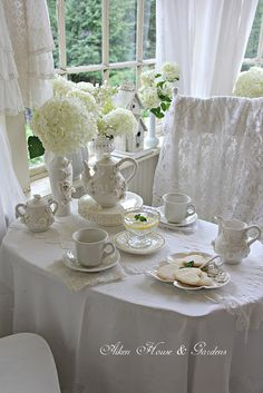 Aiken House & Gardens: A White Sunroom Tea