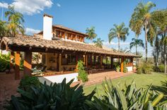 Navegue por fotos de Casas rústicas: Jaguariuna. Veja fotos com as melhores ideias e inspirações para criar uma casa perfeita.