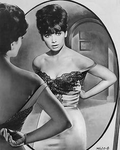 """Suzanne Pleshette (January 1937 – January was an American actress and voice actress""""MIRROR SHOT"""" Suzanne Pleshette, Vintage Hollywood, Hollywood Glamour, Hollywood Stars, Classic Hollywood, Sherry Jackson, Yvonne Craig, Scarlett Johansson, Rome Adventure"""
