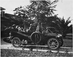 On April 24, 1908, Jacob Murdock loaded his family in a new Packard Thirty and drove across the country - the first to do so!    Photo courtesy of the Detroit Public Library, National Automotive History Collection