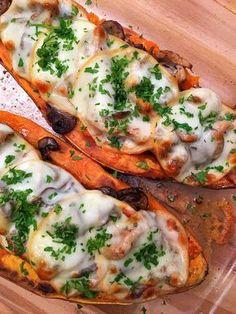 Ha szereted az édesburgonyát ez a recept nagy kedvenc lesz! Gm Diet Vegetarian, Vegetarian Recipes, Diet Recipes, Cooking Recipes, Healthy Recipes, Healthy Cooking, Healthy Snacks, Good Food, Yummy Food