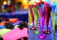 Acessórios coloridos combinam com o tema da festa. (Foto: Divulgação)