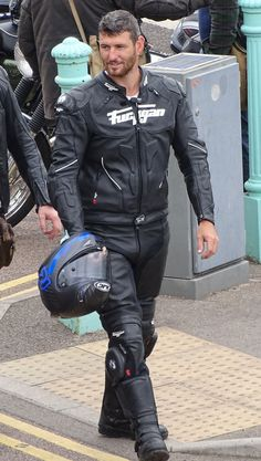Biker into Bikers & Leathermen Bike Suit, Motorcycle Suit, Biker Boys, Biker Gear, Hot Bikes, Biker Style, Leather Men, Outfit, Bikers