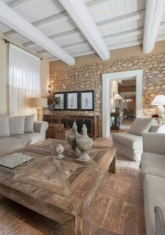 Rustic Modern 92626 Do you love country chic decor? Quickly discover our advice to adopt this style wonderfully in a stone house. Home Design, Home Interior Design, Country Interior, Modern Design, Living Room Decor, Living Spaces, Country Chic Decor, Italian Home, Stone Houses