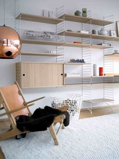 Ikea Closet Storage Systems Awesome the Search for the Ideal Shelves Wsj Modular Shelving, Wire Shelving, Scandinavian Bookshelves, String Regal, String Shelf, String System, Closet Storage Systems, Deco Design, Design Design