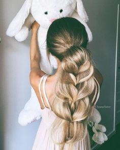 Ulyana Aster Romantic Long Bridal Wedding Hairstyles_15 ❤ See more: http://www.deerpearlflowers.com/romantic-bridal-wedding-hairstyles/2/