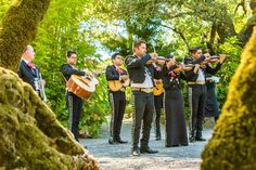Mariachi Band at Wine Country Wedding {So Eventful wedding & events}