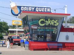 The original Dairy Queen store format-Roseville MN. ~ Love Dairy Queen and my hometown of Richfield & Eagan.I live in Marquette now & there's no Dairy Queen :( Wisconsin, Michigan, Minnesota Food, Minneapolis St Paul, Dairy Queen, Twin Cities, Architecture, Iowa, The Originals
