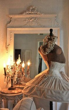 Love this mannequin dress form for a romantic cottage. #cottagestyle.