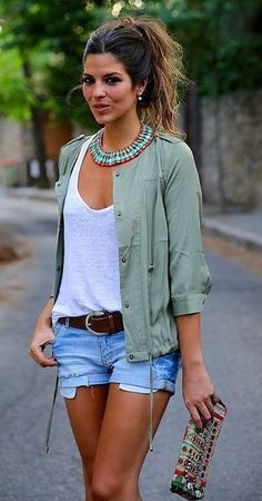 I love her whole outfit! Sexy, yet Women's fall fashion clothing street style outfit - moda Mode Outfits, Short Outfits, Fashion Outfits, Fashion Ideas, Shorts Outfits Women, Denim Outfits, Outfits With Jean Shorts, Fashion Shorts, Jackets Fashion