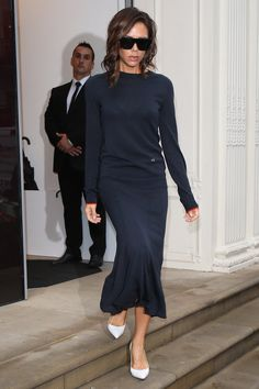 Victoria Beckham´s Sweater Seems Totally Casual, Until You Zoom In on the Stitching