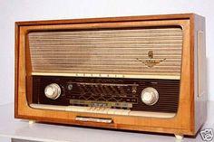 Fotos de  RADIO ANTIGUA GRUNDIG DE 1957. VIVITEN NUESTRA TIENDA DE RADIOS ANTIGUAS