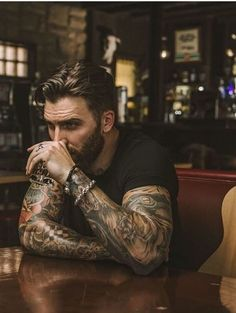 Tattoos 3d, Hot Guys Tattoos, Badass Aesthetic, Beard Tattoo, Tattoo Man, Photography Poses For Men, Inked Men, Chef D Oeuvre, Hommes Sexy