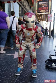 Take a look at this special Iron Man fan event where Marvel fans of all ages assembled at the El Capitan Theatre in Hollywood last week! Who would you like to cosplay as, Marvelites? http://marvel.com/news/story/20603/look_back_at_the_iron_man_3_el_capitan_fan_event