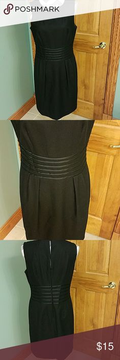 BANANA REPUBLIC DRESS!!! This is by far one nice Dress worn one time in great condition... please ask for measurements I don't mind to help my customers... Banana Republic Dresses