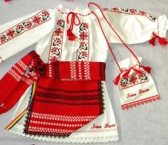 accesorii costum popular - Căutare Google Folk Embroidery, Embroidery Patterns, Folk Costume, Costumes, Baby Dress, Traditional, Sewing, Handmade, Inspiration
